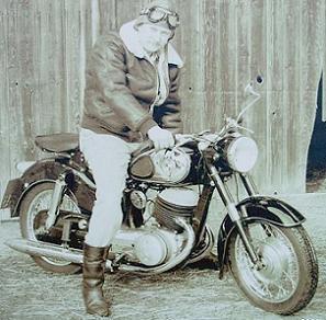 1954 Puch-Bilder_Gerry_Hoelber_Muenchen_250SG_1954